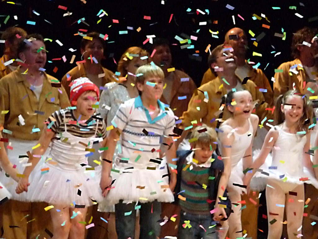 Eliot's final curtain call as Small Boy in Billy Elliot. 26-09-2009. Picture by H.